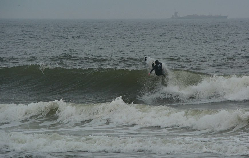 cold-war-surf-contest-31