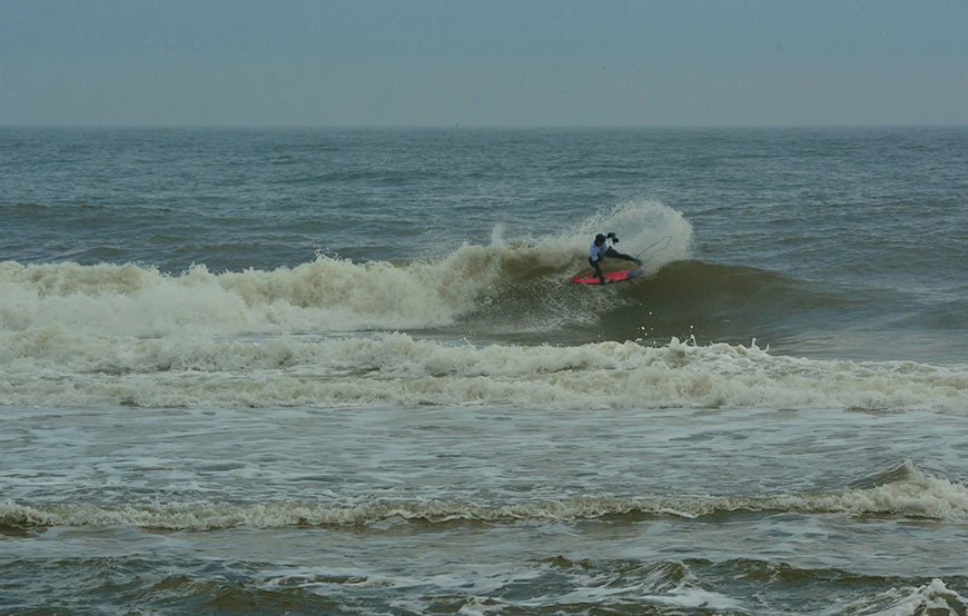 cold-war-surf-contest-7