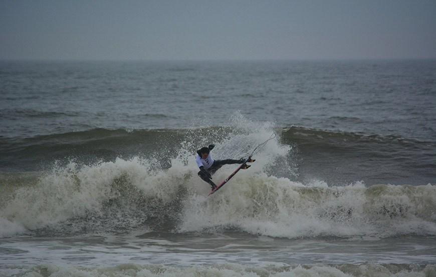 cold-war-surf-contest-8