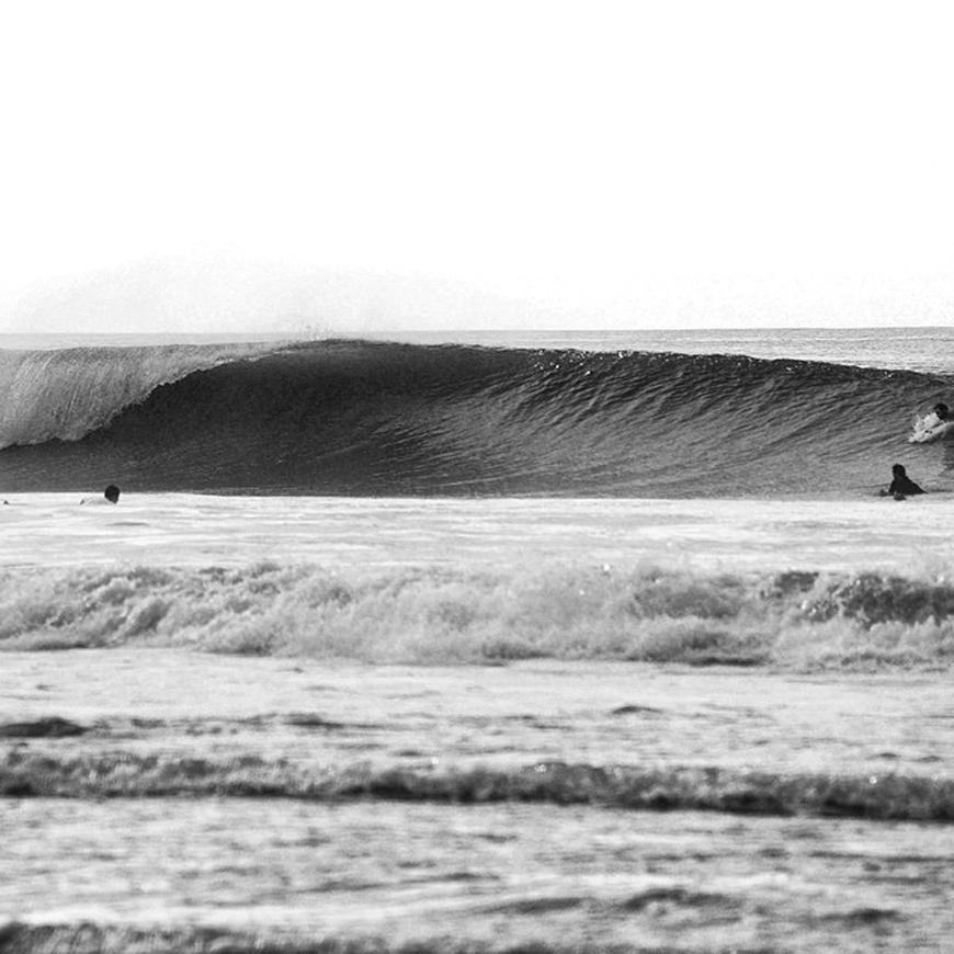 hurricane-bertha-surfing-03