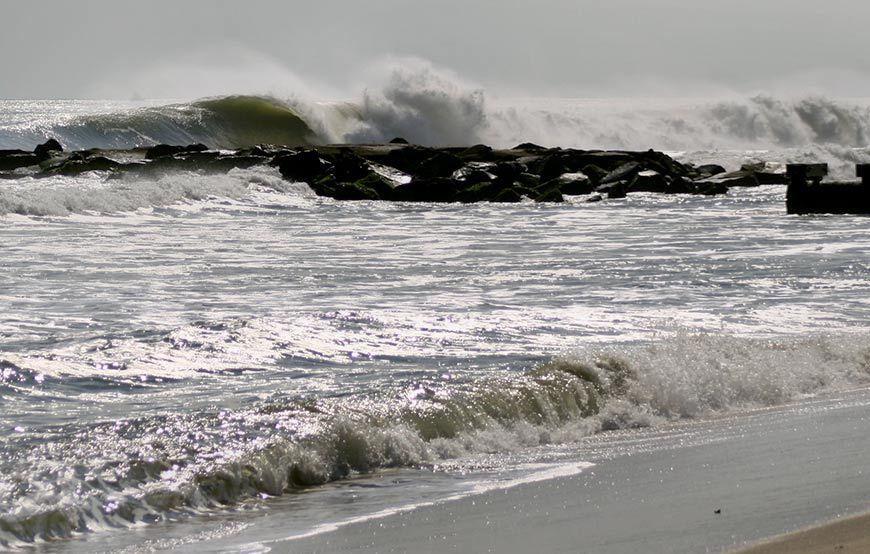 hurricane-gonzalo-surfing-photos-23