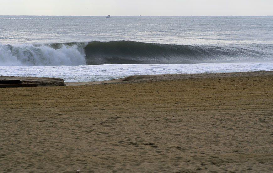 hurricane-gonzalo-surfing-photos-5