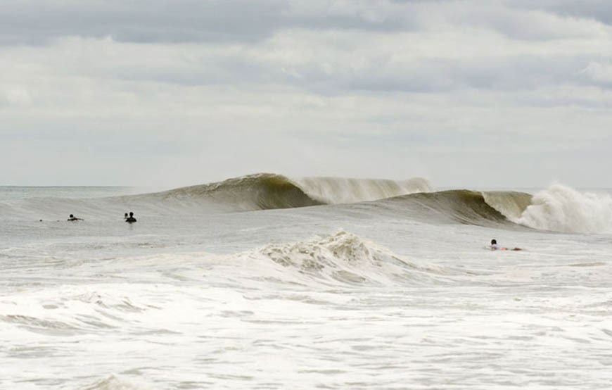 late-summer-swell-brings-epic-surf-to-nj-and-ny-photos-1