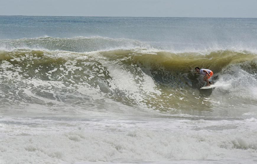 late-summer-swell-brings-epic-surf-to-nj-and-ny-photos-12