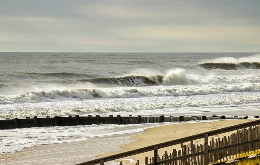 november-thanksgiving-swells-surfing-in-new-jersey-1