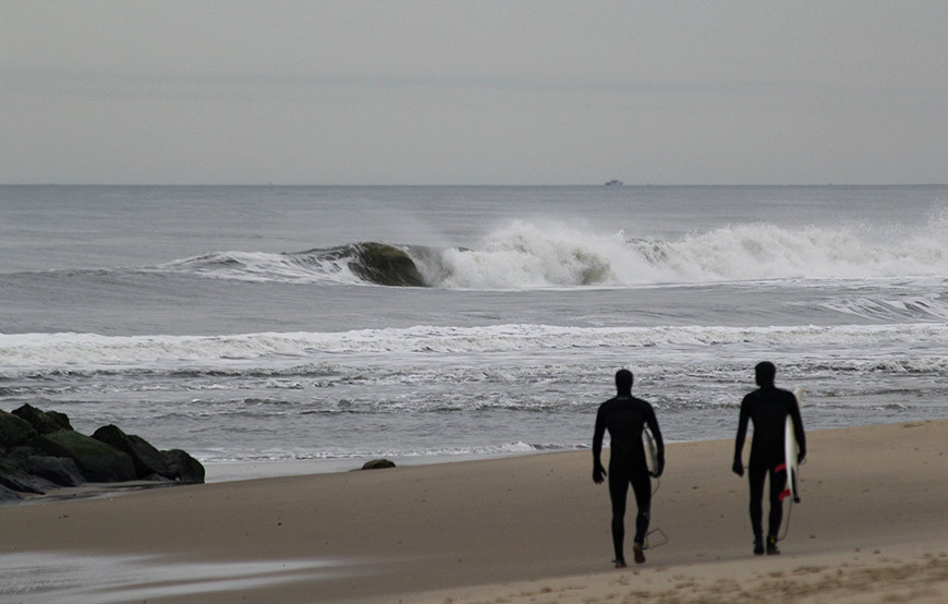 november-thanksgiving-swells-surfing-in-new-jersey-10