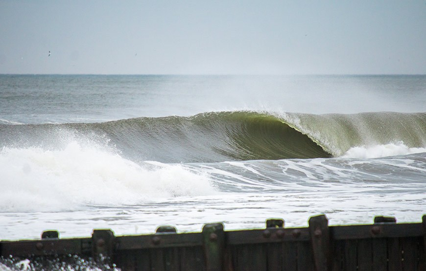november-thanksgiving-swells-surfing-in-new-jersey-23