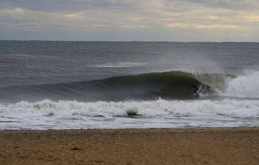 november-thanksgiving-swells-surfing-in-new-jersey-24