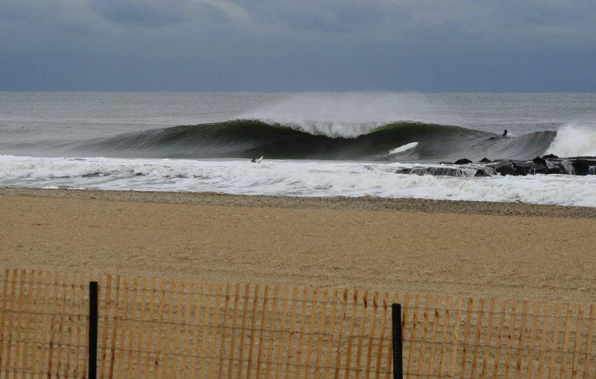 november-thanksgiving-swells-surfing-in-new-jersey-4