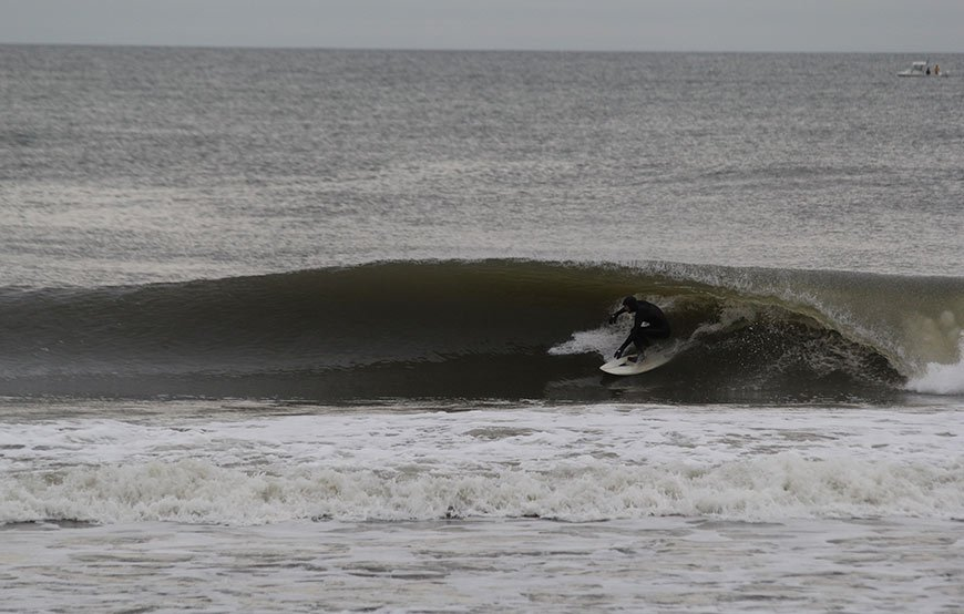 november-thanksgiving-swells-surfing-in-new-jersey-4a