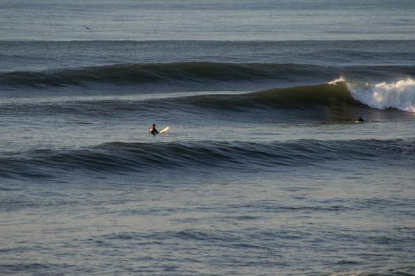 Surfing Punta Roca El Salvador