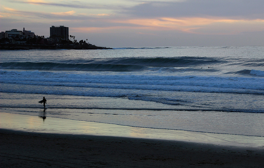 Surfing Photos: A-frames at Scripps