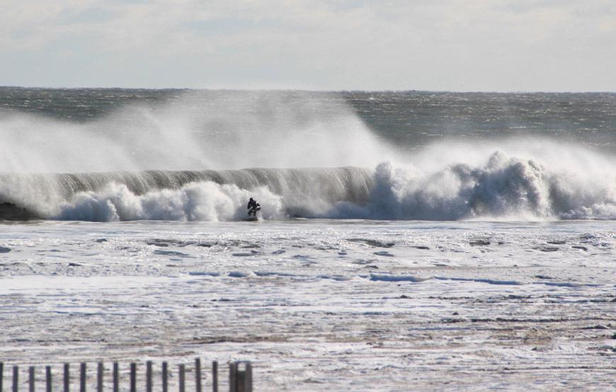 zlotnick-january-new-jersey-winter-surf10