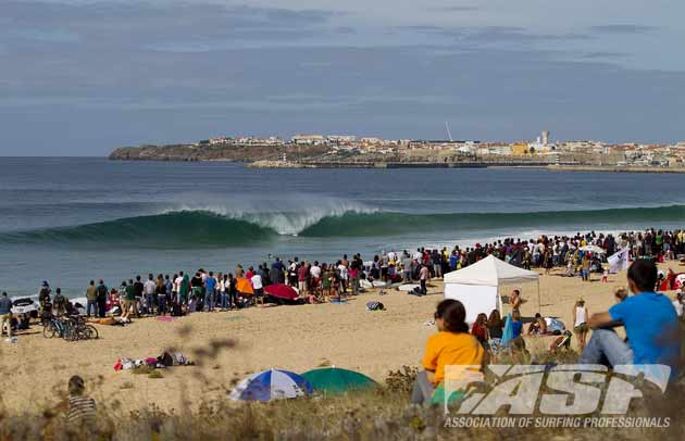Supertubos delivered for Round 1 and eight heats of Round 2. © ASP/ Kirstin
